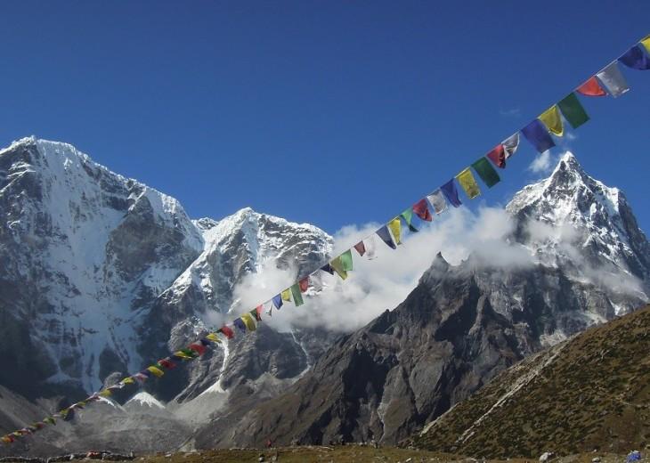 Everest High Passes budget trekking